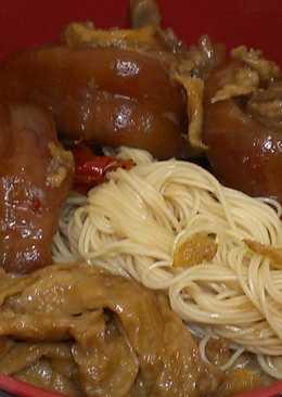 紅燒豬腳拌麵線
