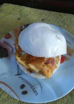 饅頭火腿蛋