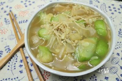 洋蔥金針菇燴絲瓜(三樣食材一鍋輕鬆煮)