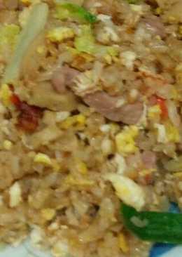 麵腸肉絲炒飯