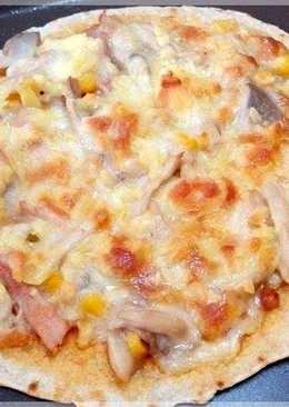 白醬燻雞薄皮披薩〞用市售蛋餅皮的偷吃步