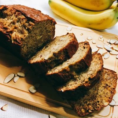 Banana bread 香蕉杏仁蛋糕🍌
