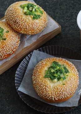蔥花芝麻麵包