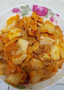 韓式泡菜炒豬五花肉