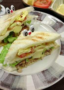 百香優格水果沙拉三明治