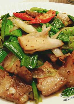 蒜苗炒鹹豬肉