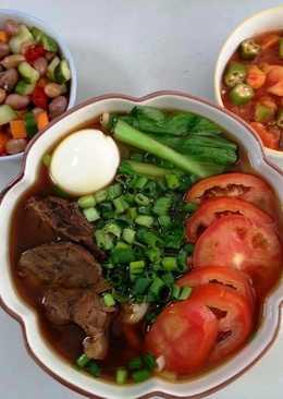 蕃茄紅燒牛肉麵+滷花生