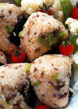 薑香牛肉泡菜飯糰 ~ Beef Kimchi Shokayaki Onigiri