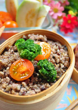 黑胡椒鹽牛排五穀飯