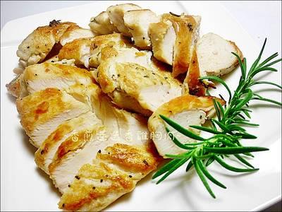 香煎迷迭香雞胸肉