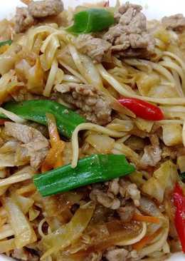 沙茶羊肉炒麵