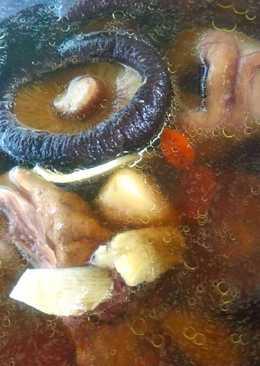 (電鍋版)香菇燉雞湯
