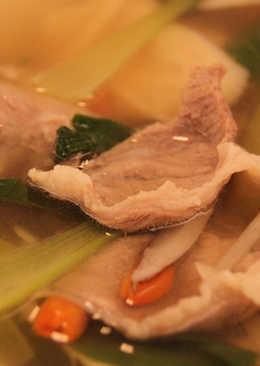 麻油當歸生薑羊肉湯