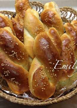 藍姆葡萄乾辮子麵包
