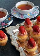 【迷你】草莓奶油杯子蛋糕
