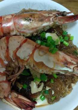 巨大鮮蝦豆腐粉絲煲