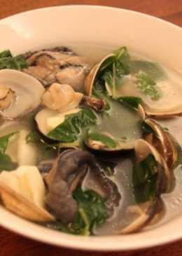 塔香蒜頭蛤蜊烏骨雞湯