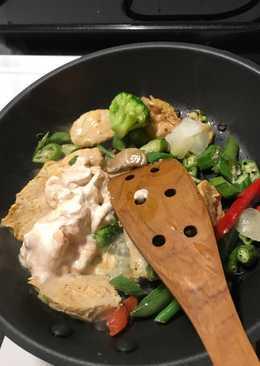 生酮餐-青蔬奶油雞偽意大利麵