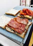 烤小羔羊培根塔塔醬三明治漢堡