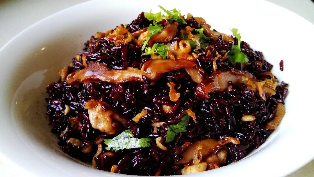 黑糯米油饭
