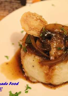 馬鈴薯泥 佐 蘑菇洋蔥黑胡椒醬