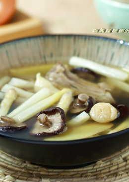 清爽甘甜的蘆筍排骨干貝湯