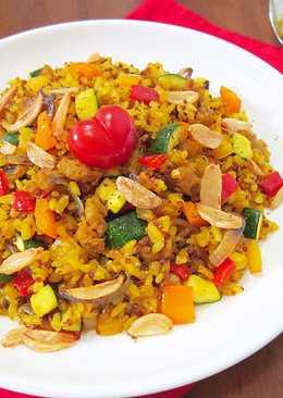 薑黃、彩蔬、肉丁、紅藜麥炒飯