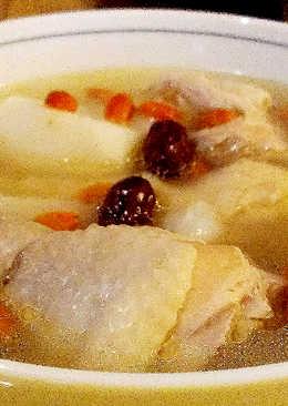 山藥紅棗枸杞雞湯
