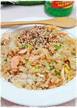 【日式鮭魚蛋炒飯】超簡單の平底鍋料理