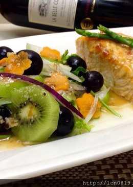 鮭魚排佐塩麴和風水果沙拉(健康年菜)