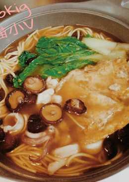 馨妃醬油湯麵