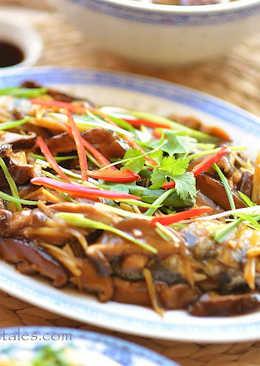 香菇薑絲燴汁蒸魚