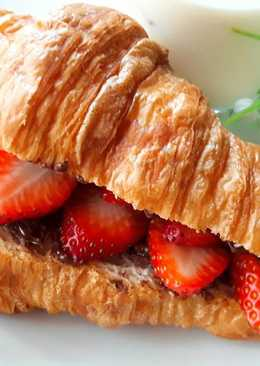 阿華田草莓可頌 ~ Ovaltine Strawberry Croissant