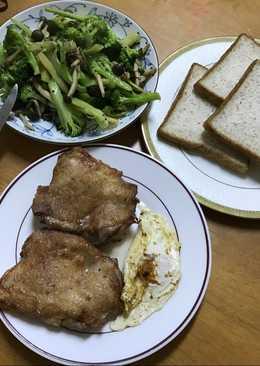 愛妻早餐之煎雞排、半熟蛋、花椰菜炒菇