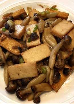 魚豆腐炒鴻禧菇