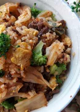 西蘭花泡菜牛肉蛋炒飯