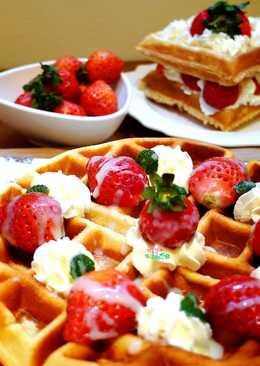 草莓煉乳鬆餅