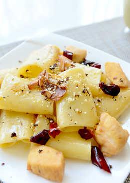 香蒜雞肉辣味橄欖油義大利管麵
