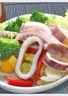 魷魚冰卷和風沙拉