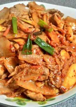 韓式泡菜炒梅花豬