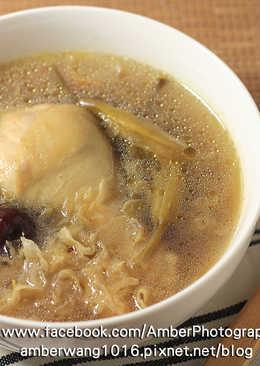 白木耳金針雞湯
