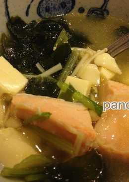 電鍋做~味噌豆腐海帶鮭魚湯【海鮮料理】。胖卡瘦不了食譜