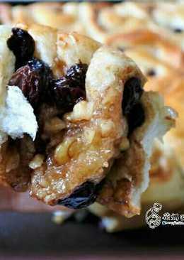 蜂蜜核桃肉桂麵包捲