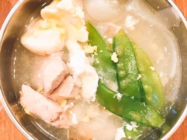 洋蔥雞肉湯(電鍋料理)