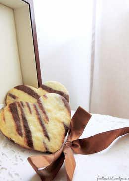 时髦斑马纹爱心饼干