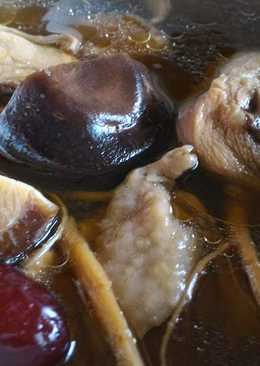 (電鍋版)鮮菇人蔘補氣雞湯