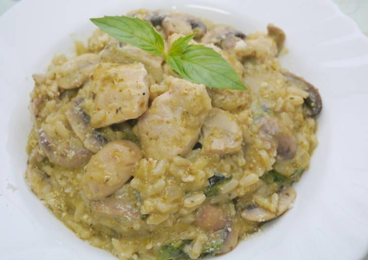 羅勒青醬蘑菇雞肉燉飯