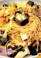 火腿米血高麗菜炒天使麵