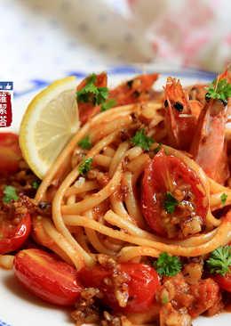 鮮蝦番茄義大利麵。