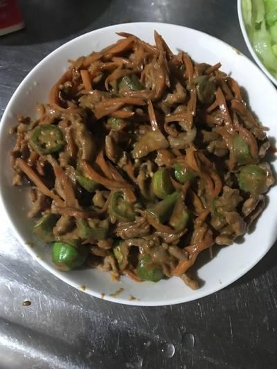 腐乳秋葵炒肉絲
